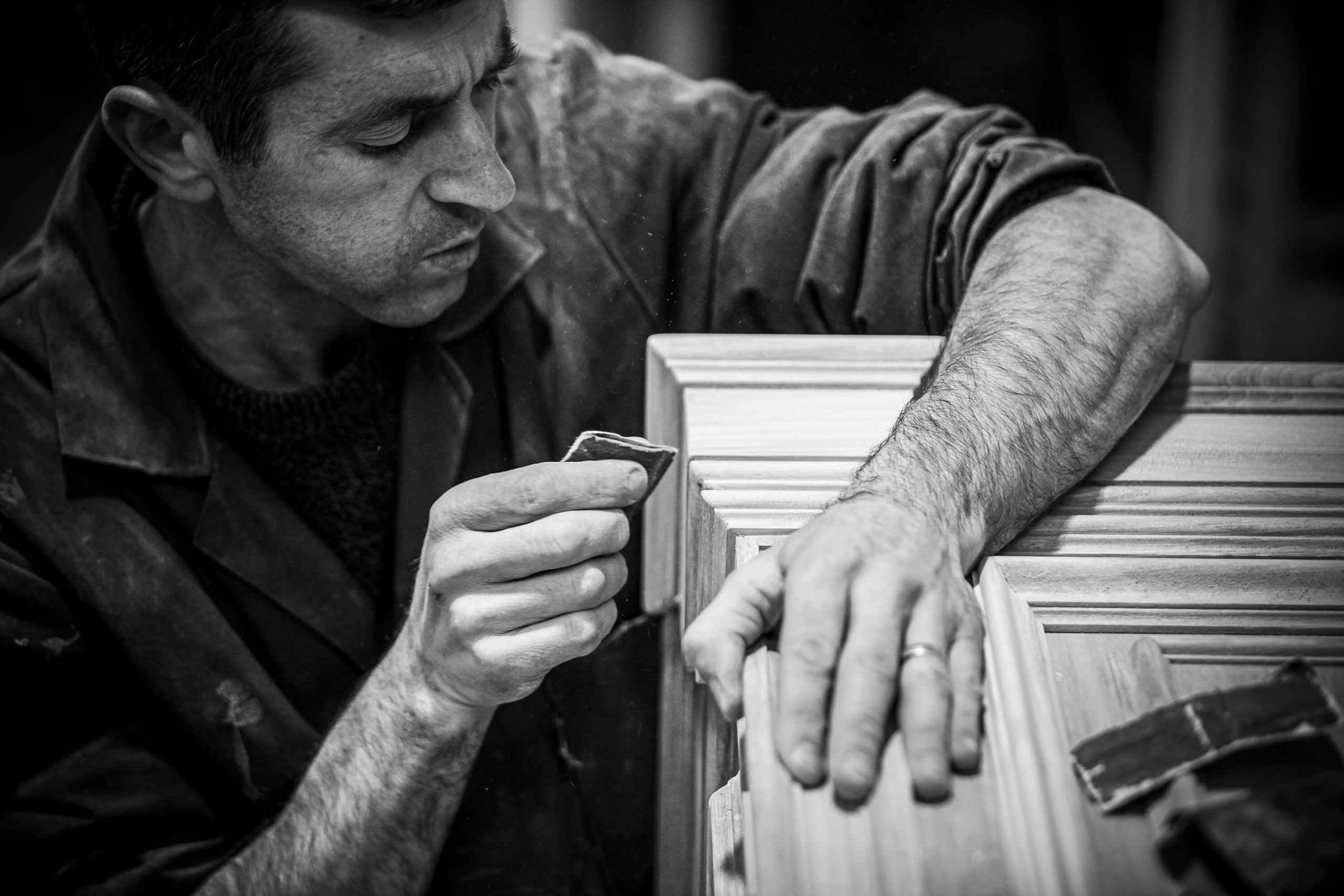 TRADITIONAL PORTUGUESE FURNITURE CRAFTSMEN
